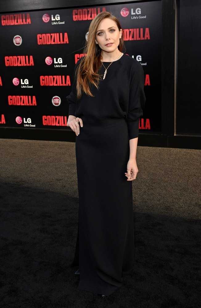 Steal Her Weekend Style: Elizabeth Olsen's Basic Black Ensemble