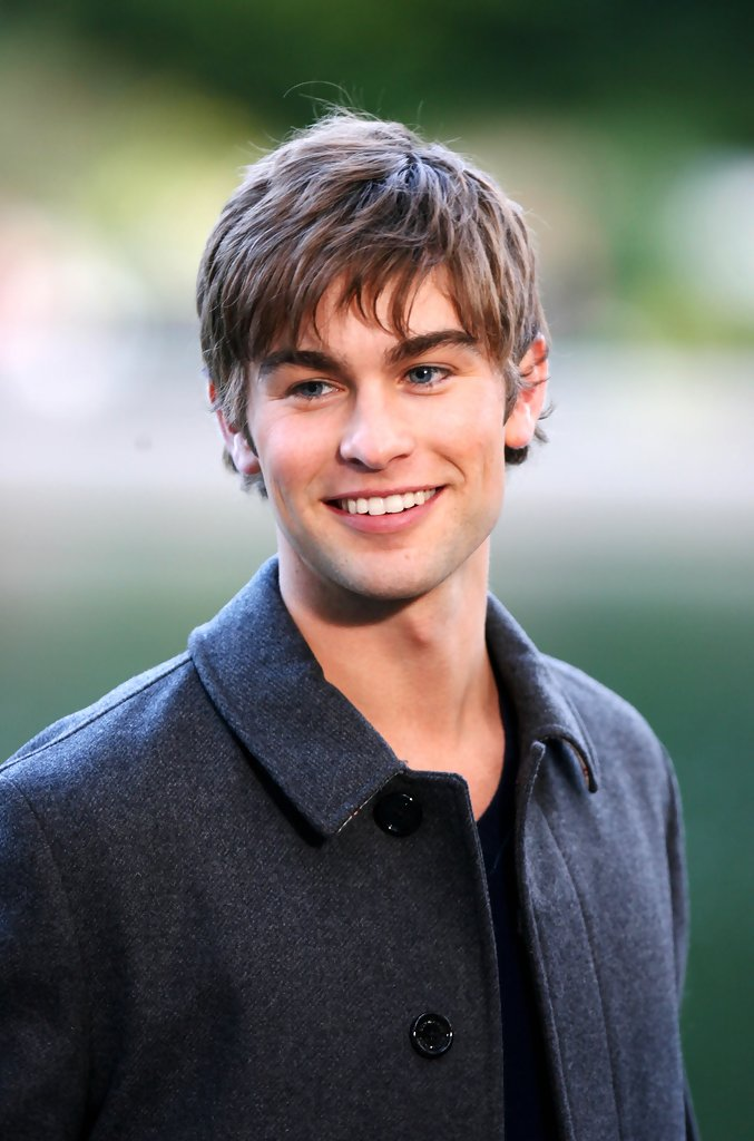 Chace Crawford in Gossip Girl Films in Central Park - Zimbio