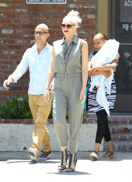 Gwen Stefani Out with Baby Apollo []