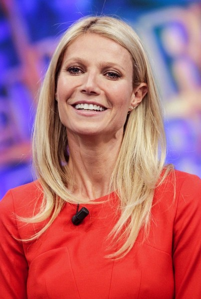 http://www3.pictures.zimbio.com/bg/Gwyneth+Paltrow+Gwyneth+Paltrow+Spanish+TV+VlqTMYtCoPVl.jpg
