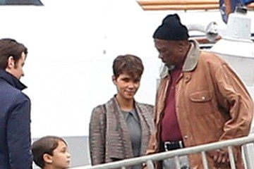Halle Berry Halle Berry on the 'Extant' Set