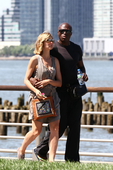 heidi klum seal family. Heidi Klum and Seal Walk With