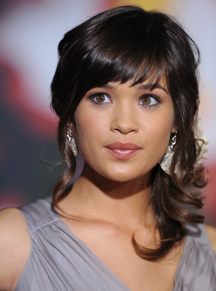 Nicole Gale Anderson - Images Gallery
