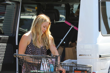 Hilary Duff Hilary Duff Shops with Son Luca