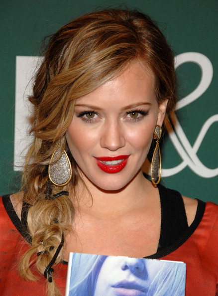 Hilary Duff Book Signing.Barnes & Noble, Los Angeles.October 14, 2011.