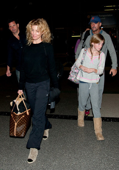 faith hill and tim mcgraw at lax in this photo faith hill tim mcgraw
