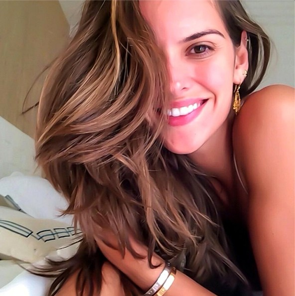 Izabel Goularts Leaked Cell Phone Pictures