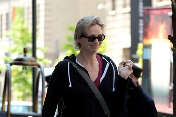 Jane Lynch Jane Lynch Carries Her Dog in NYC