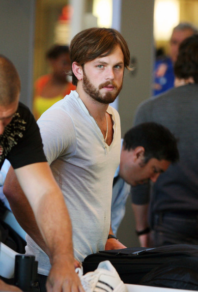 Kings of Leon Band Members at LAX []