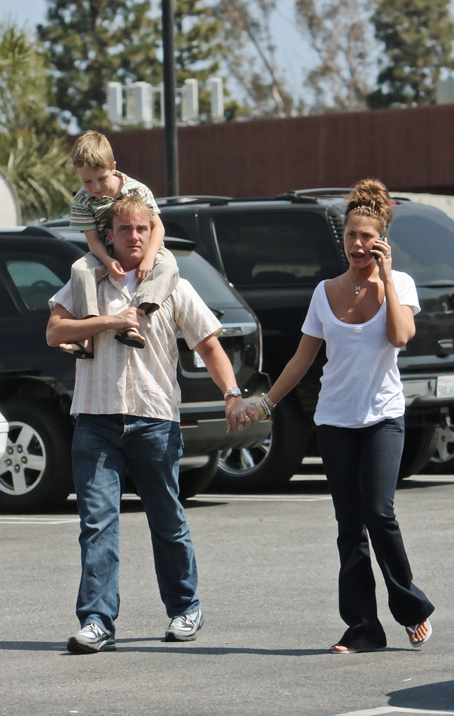 jackson mohr in jay mohr and nikki cox at cvs zimbio