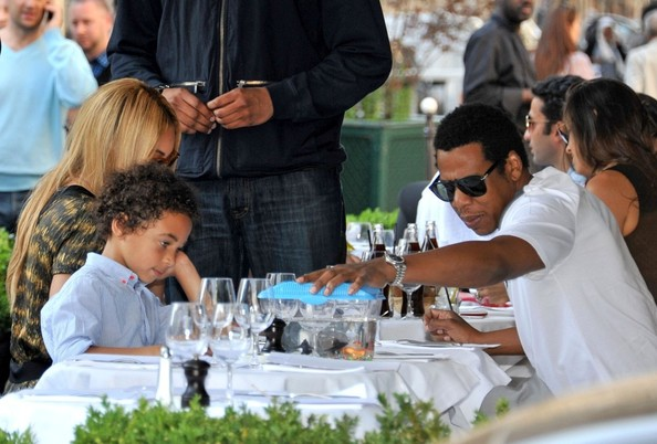 Beyonce and Jay Z Go to L'Avenue