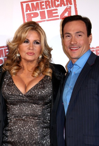 jennifer coolidge dating Though jennifer coolidge is probably best known as the buxom blonde mom who launched a thousand adolescent male fantasies in the 1999 coming-of-age classic american pie, her continued.