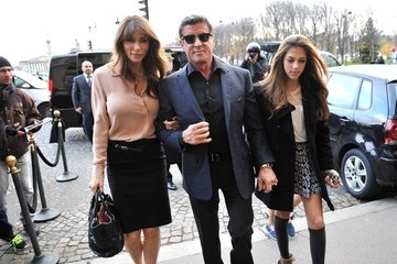 Jennifer Flavin Stallone goes to the Louvre