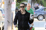 Jennifer Garner Picks up Coffee