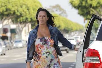 Jennifer Love Hewitt Jennifer Love Hewitt Shops in Brentwood