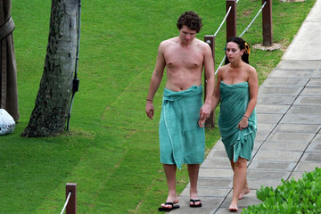 Jennifer Love Hewitt Jennifer Love Hewitt and Alex Beh in Hawaii
