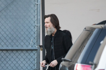Jim Carrey Jim Carrey Is Bearded and All Smiles on the 'Jimmy Kimmel Live!' Set