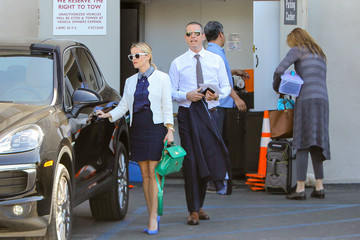 Jim Toth Reese Witherspoon Goes Out with Her Man