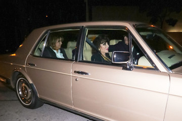 Joan Collins Linda Gray Outside Craig's Restaurant In West Hollywood