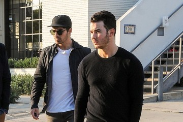 Joe Jonas The Jonas Brothers Get Lunch with Friends