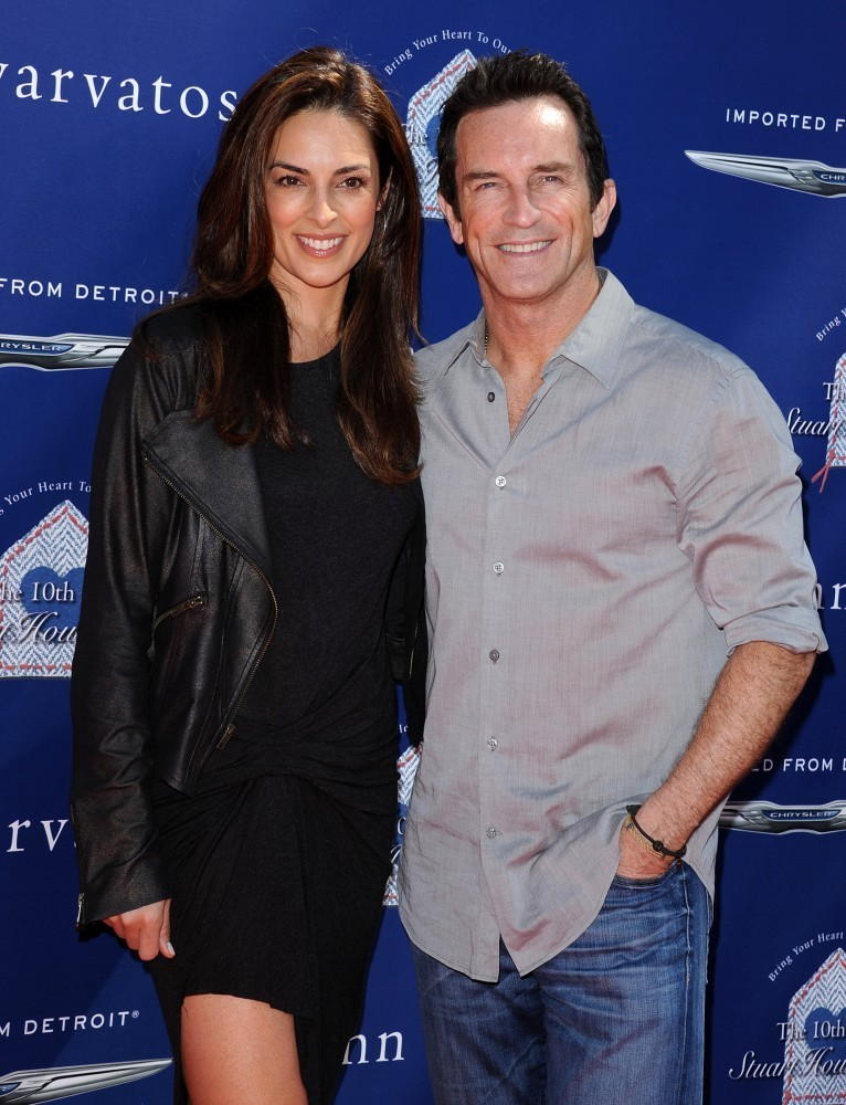 Jeff Probst and Lisa Ann Russell Photos Photos - 10th ...