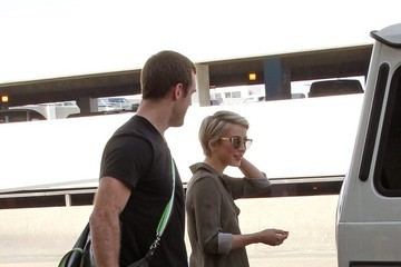 Julianne Hough Brooks Laich Julianne Hough Takes Brooks Laich to LAX