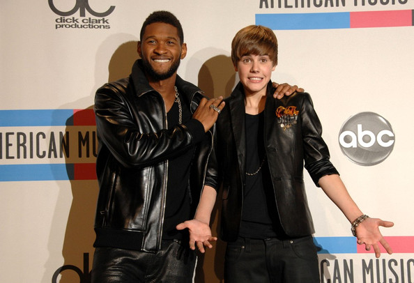 Justin Bieber 2010 American Music Awards - Press Room.