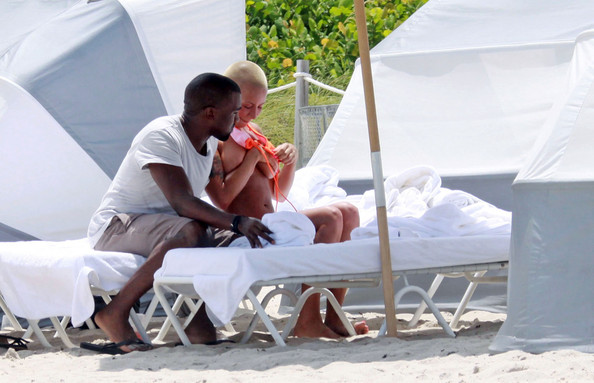amber rose beach photos. Amber Rose Rapper Kanye West
