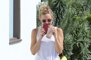 Kate Hudson at 'Coffee Bean'