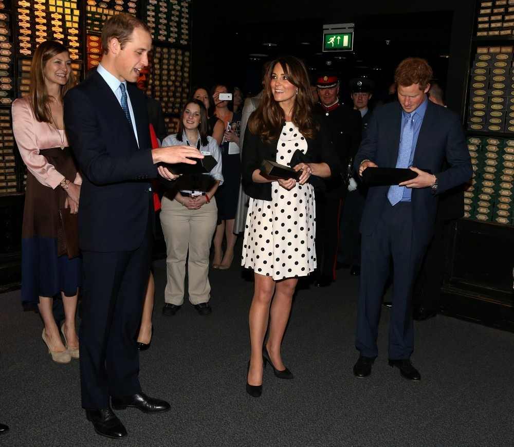 Kate Middleton - The British Royals Tour the Warner Bros. Studios 11