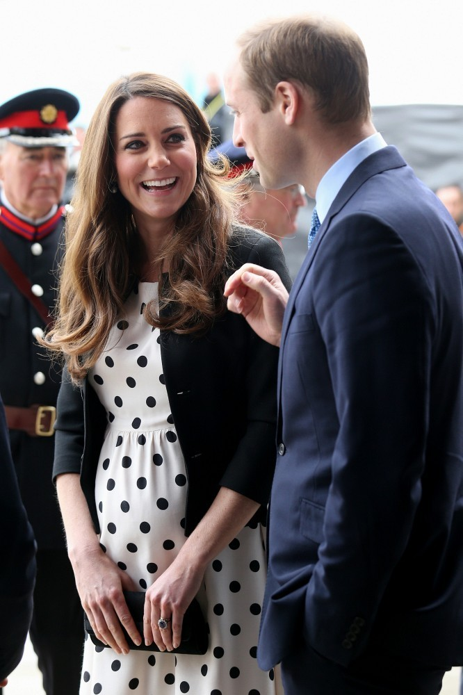 Kate Middleton - The British Royals Tour the Warner Bros. Studios 6