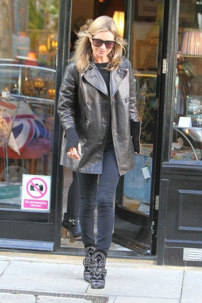 BYLINE: EROTEME.CO.UK.Kate Moss wears funky boots as she browses the shops on Primrose Hill high street.