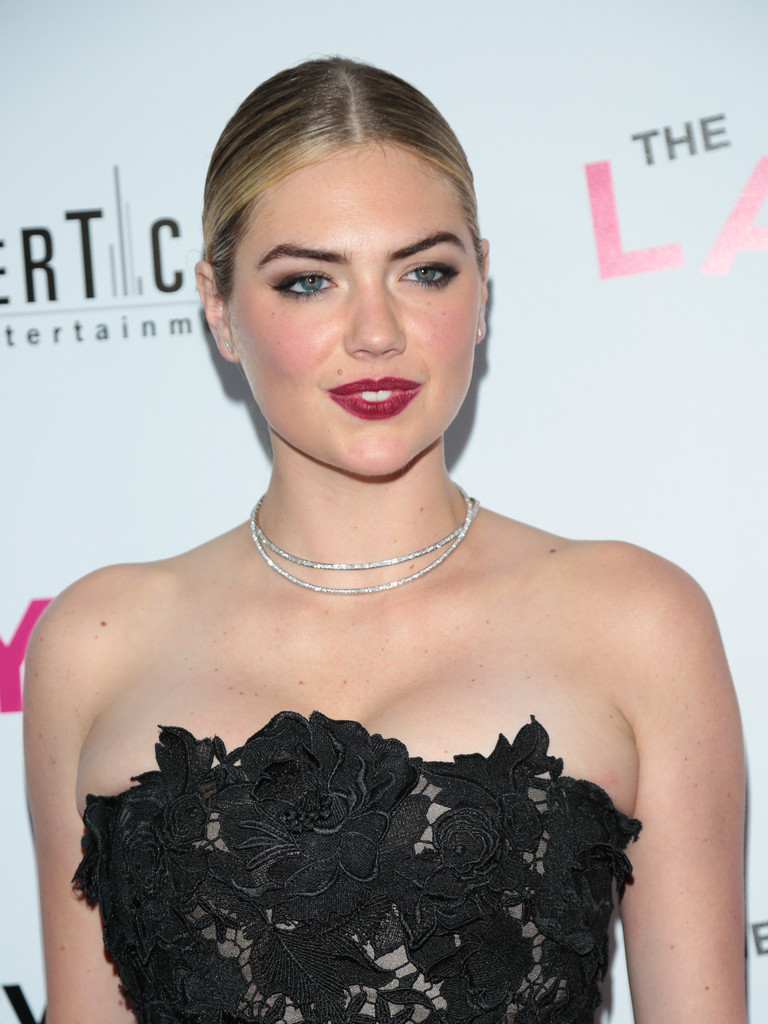 Kate+Upton+Premiere+DIRECTV+Vertical+Entertainment+-zYivcRrgI7x.jpg