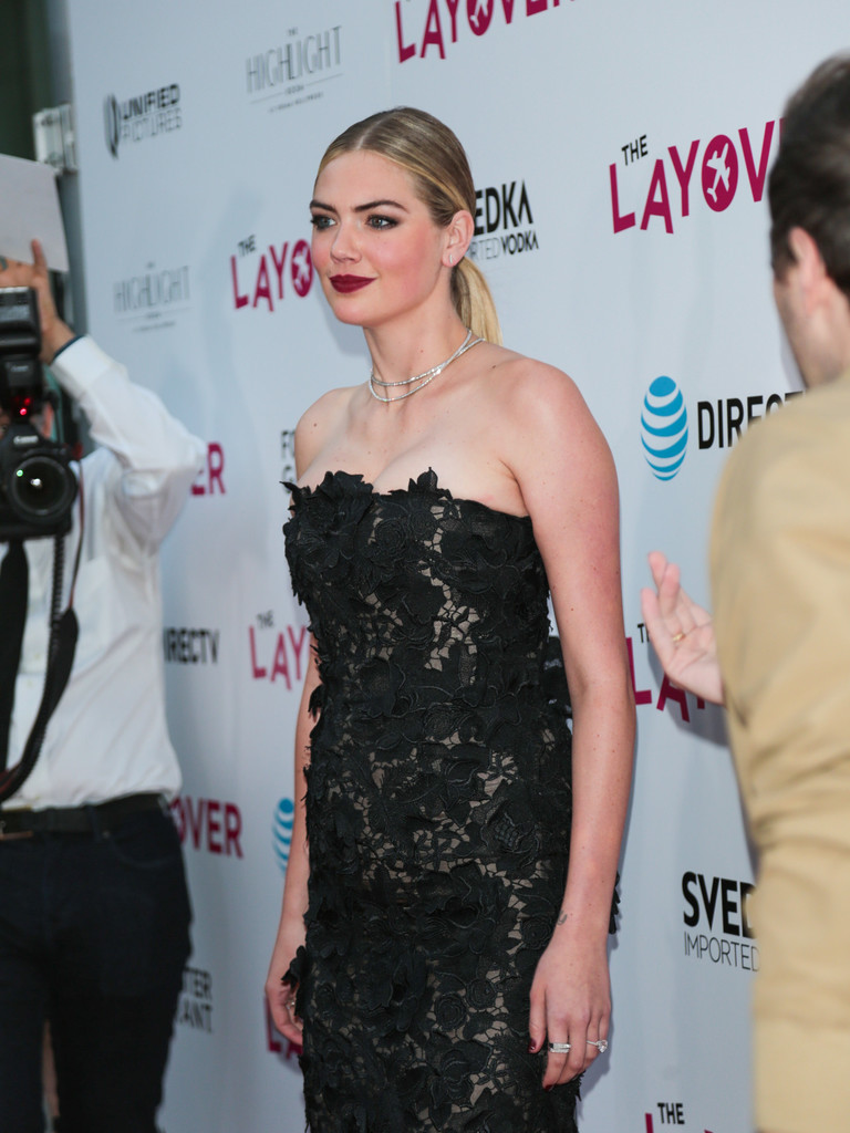 Kate+Upton+Premiere+DIRECTV+Vertical+Entertainment+AAgj6Uraq9Tx.jpg