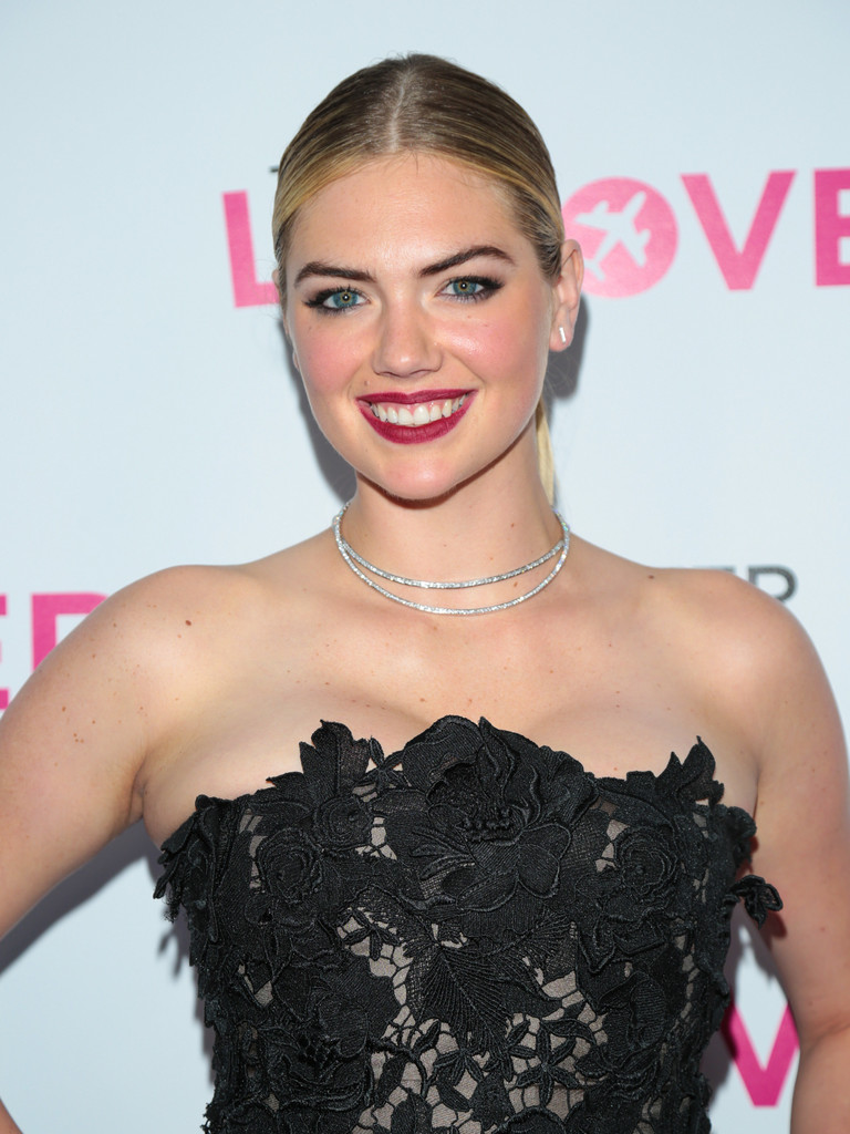 Kate+Upton+Premiere+DIRECTV+Vertical+Entertainment+E33dIvM6MY0x.jpg