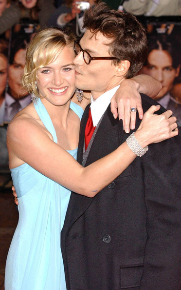 Celebrity PDA - Stars Caught Kissing in Public []