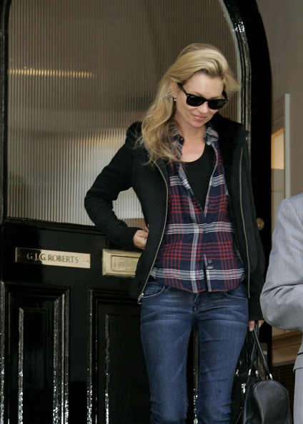Kate Moss is all smiles after leaving Roberts Gareth's dentistry in South West London.