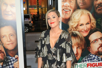 Kathleen Robertson Premiere of Warner Bros. Pictures' 'Father Figures'
