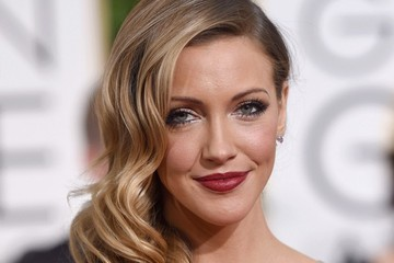 Katie Cassidy Arrivals at the Golden Globe Awards