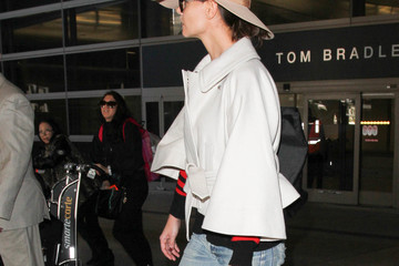 Katie Holmes Katie Holmes Is Seen at LAX