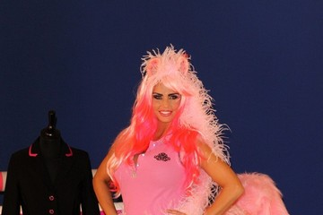 Katie Price Katie Price Shows Off Equestrian Line 4