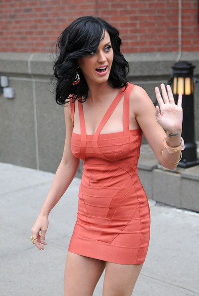 Katy Perry Katy Perry leaves her downtown hotel en route to the David Letterman show.