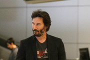 Keanu on the Move - Star Pics: September 07, 2015