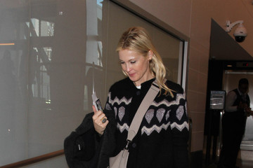 Kelly Rutherford Kelly Rutherford Is Seen at LAX