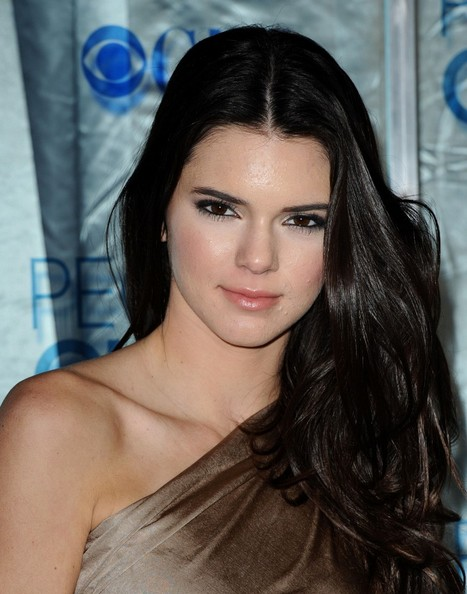 Kendall Jenner 2011 People s Choice Awards - Arrivals Nokia Theatre L    Kendall Jenner
