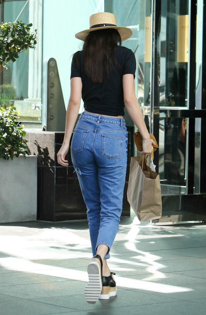 a2adee84c40d Kendall Jenner Photos - Kendall Jenner in Platform Sneakers - 3459 ...