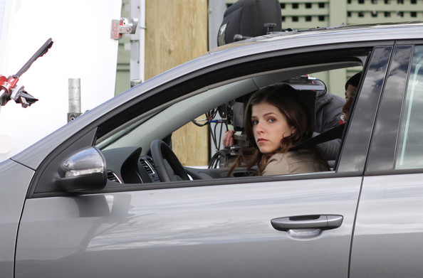 "Anna Kendrick and Joseph Gordon Levitt shoot scenes for their film ""I'm with Cancer."" ."
