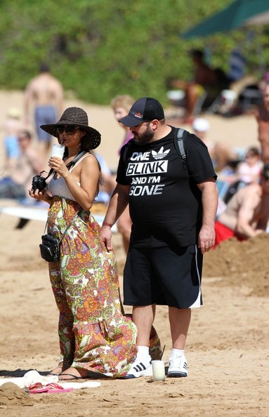 Kevin James At The Beach With His Family 5 Of 14 Zimbio