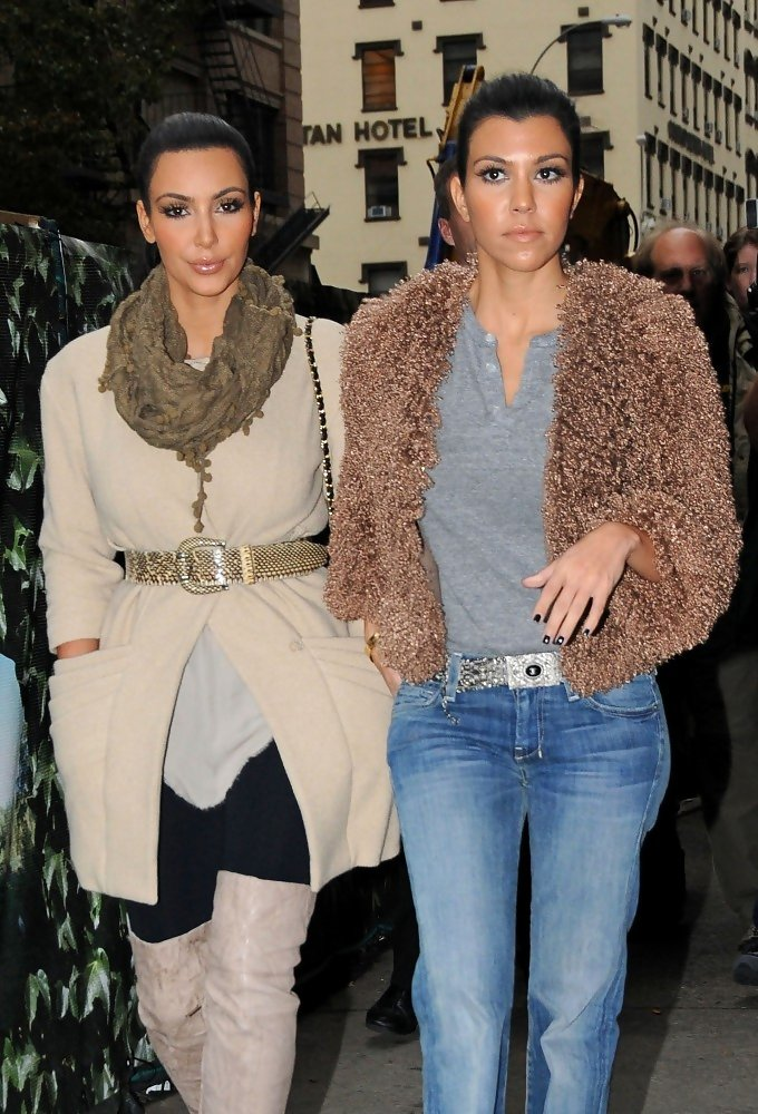 kim kardashian photos photos kim and kourtney kardashian