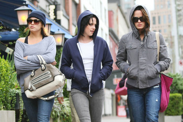 Kristen Stewart Elizabeth Reaser Kristen Stewart, Nikki Reed, and Elizabeth Reaser in Downtown Vancouver